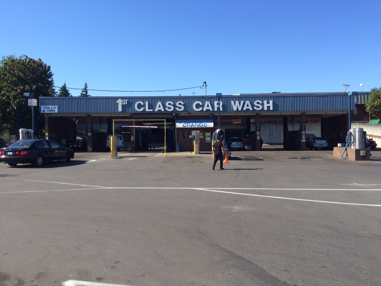 Car wash andys handy mart 6 self service bays cashcredit and a rollover automatic we have 7 coin operated vacuums along with a carpet shampooer and assorted car care vending solutioingenieria Images
